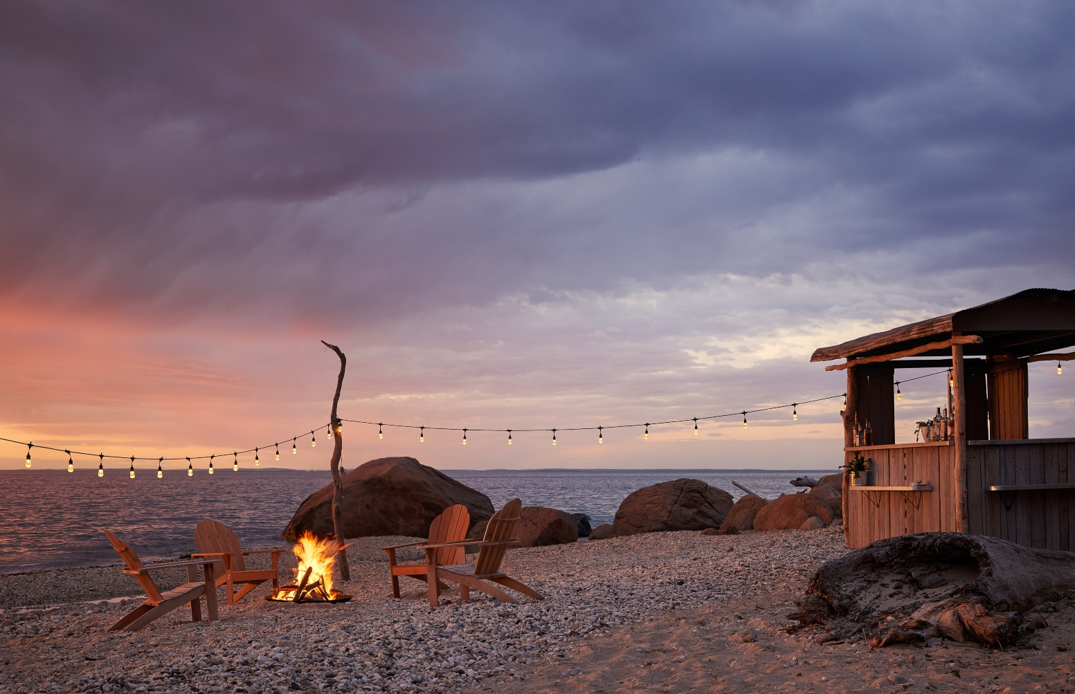 Low Tide Beach Bar